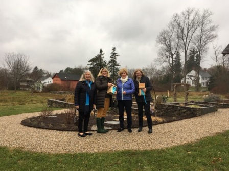 Garden club initiates Bluebirds of Happiness program