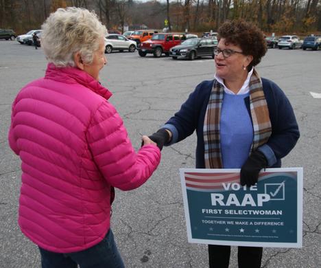 Litchfield election producing large voter turnout
