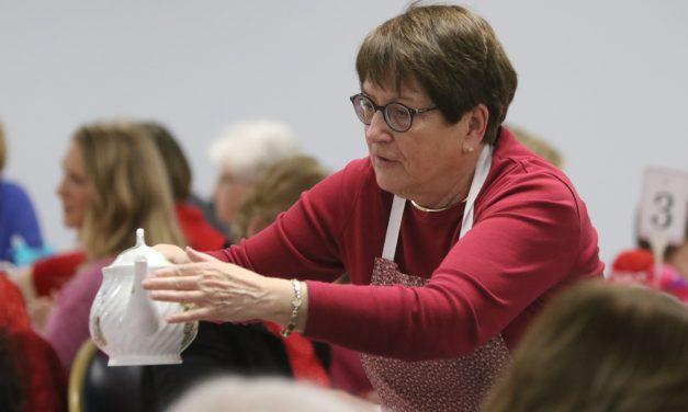 Valentine tea luncheon aids Gilbert Library