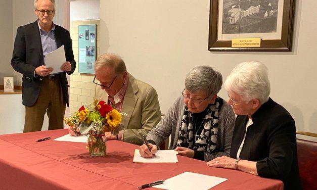 Land trust, Wisdom House sign easement deal