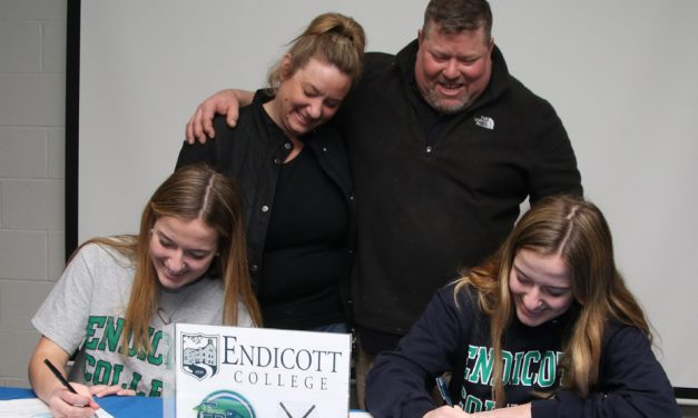 Small twins to play at Endicott College