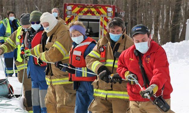 Warren firefighters hone ice rescue skills