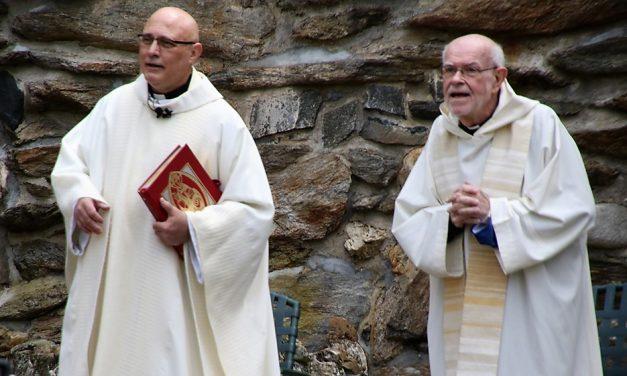 Outdoor Mass returns to Lourdes Shrine